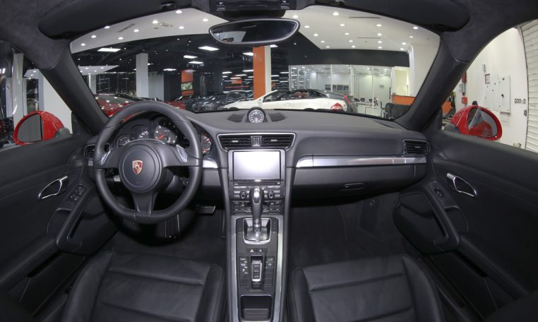 PORSCHE 911 CARRERA 3.4L F6 TURBO COUPE