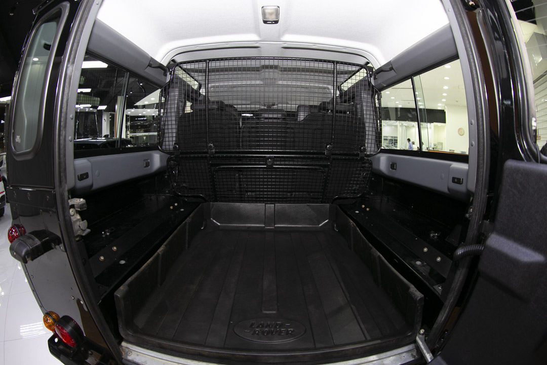 LAND ROVER DEFENDER 110 S / WAGON